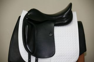 USED AMERIGO VEGA 18 MW BLACK DRESSAGE SADDLE