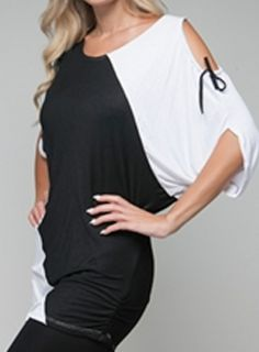 Size 2X SHORT SLEEVE SHIRT TOP WOMENS PLUS WHITE BLACK ROMAN FASHION