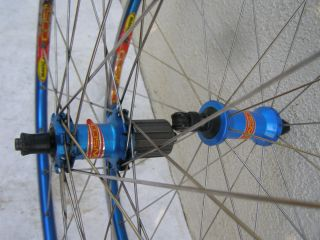 MAVIC COSMIC RIMS WHEELS 700C ROAD BICYCLE rear rim is cracked