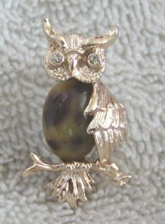 Adorable Vintage Gerrys Stone Owl Bird Brooch Pin