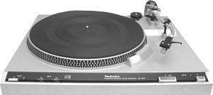 Technics SL 220 Turntable Manual Ortifon Cartridge Pre Amp RCA Cord