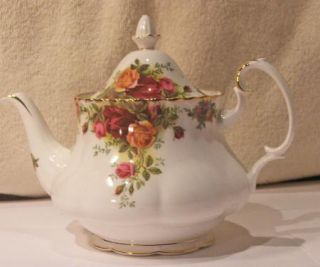 Old Country Roses Tea Pot Teapot English Bone China 1st Quality