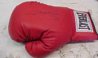 Sugar Ray Leonard Signed Boxing Glove with Certificate Number
