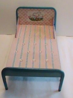 VINTAGE CHILDS 1950S TOY PINK/BLUE STRIPE METAL TIN DOLL BED CHEIN