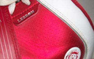 EUR 38 UK 4 5 Nike Lebron James Witness Athletic Shoe Red White