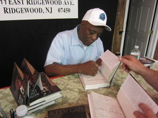 Buddy Guy Signed Book When I Left Home 1st Printing Autographed