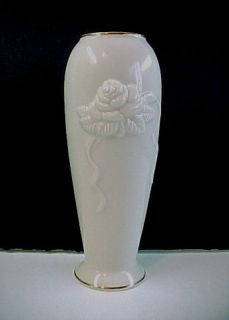 Lenox Rose Blossom Fine China Bud Vase   Trimmed in 24 KT Gold   7 1/2