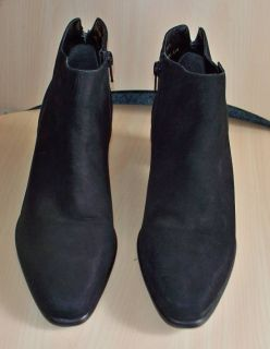 ladies capezio black suede leather boots size 9 1 2m very nice pair of