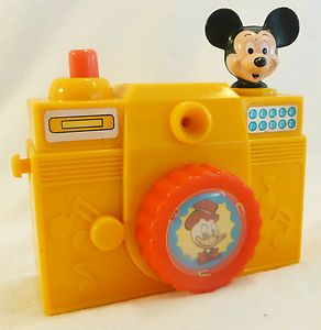 VINTAGE iLLCO Mickey Mouse/Donald Duck Toy Camera   Collector Piece