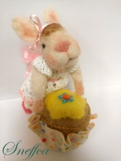 Sneffcas World Needle Felted OOAK Sweet Bunny with A Cupcake Pin