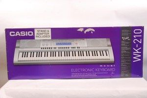 Casio WK 210 76 Key Digital Electronic Keyboard Workstation