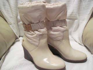 UGG Australia Cassady Cream Color Boots Sheepskin Insoles Womans Sz 6