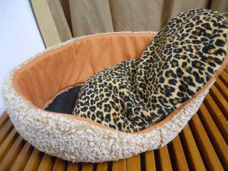 Small Pet Cat Bed Soft Pet Puppy Dog Cat Beds Sleeping Bag Extra Warm