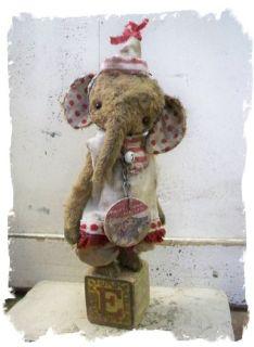Vintage Styl★itty Bitty Toy Elephant ★ Whendis Bears