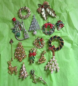 Rhinestone Christmas Tree Brooches Pins Wreaths Large Lot Some Older