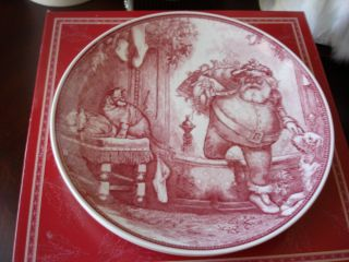 Williams Sonoma 2002 Wedgwood Father Christmas St Nick Plates 4