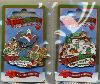 1040 DISNEY 2 LE VERY MERRY CHRISTMAS PARTY PINS 2008 STITCH CHIP DALE