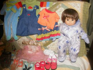 COLLECTIBLE AMERICAN GIRL BITTY BABY DOLL W/ BITTY BABY DOLL CLOTHES