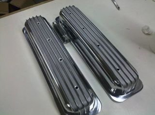 SBC Chevy Aluminum Valve Covers Short Finned No Holes