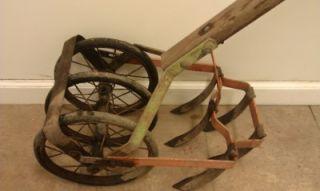Antique Hand Push Garden Cultivator Tiller Row Weed Plow Claw