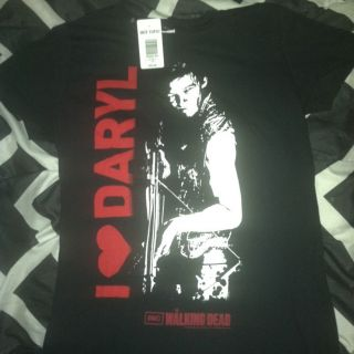 The Walking Dead Womens T shirt Daryl New RARE Zombies L@@K
