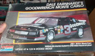 Dale Earnhardt 1988 Monte Carlo SS GOODWRENCH NASCAR Model Car