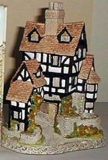 Squires Hall   David Winter Cottages Collection   Retired 1990   Mint