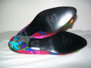 STUART WEITZMAN Vtg Women Floral Mid Heel PUMPS Shoe Size 6 AA
