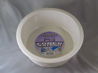 Van Ness Plastic Dog Cat Pet Food Water Bowl Dish 52 Oz