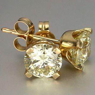 Wonderful 1ct Light Yellow Diamond 14 K Gold Earrings