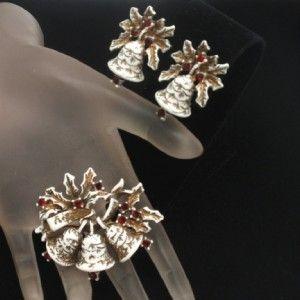 Christmas Xmas Set Pin Earrings Vintage Bells Holly Dodds