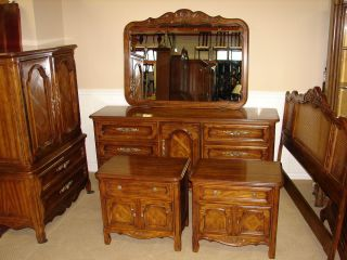 Superior DREXEL HERITAGE WALNUT 6 PIECE BEDROOM SET QUEEN FULL SIZE BED .