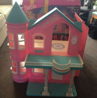 VINTAGE 1995 Mattel Barbie Dream House Dollhouse W/ ELEVATOR