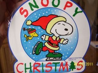 Peanuts Jumbo Holiday Magnet Snoopy Woodstock Skate Ice