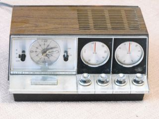 Vintage Elgin 10 Transistor Alarm Clock Am FM Radio