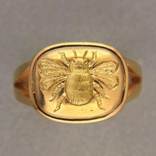 elizabeth locke 19 kt gold bee ring 6 1 2