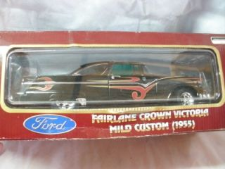 Road Legends 1955 Ford Fairland Crown Victoria 1 18 Die Cast Metal