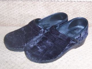 DANSKO Womens BLACK Crushed Velvet Clogs Size EU 38 US 7 5 8