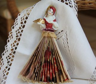 Antique Style Lady Fan Victorian Accessories Ornaments
