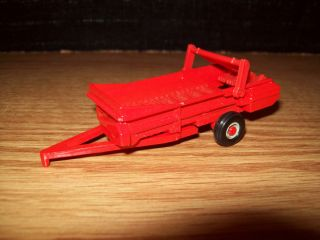 Ertl 1 64 Tractor Case Manure Spreader Farm Toy