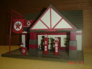 model train buildings O scale Texaco gas station front, detailed