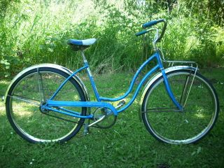 Hollywood DeLuxe Ladies Cruiser Bicycle 60s Eugene Oregon Local P U