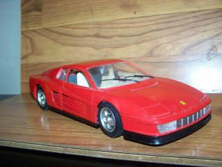 COLLECTIBLEBbURAGO 1984 FERRARI TESTAROSSA MADE IN ITALY 1 18 SCALE