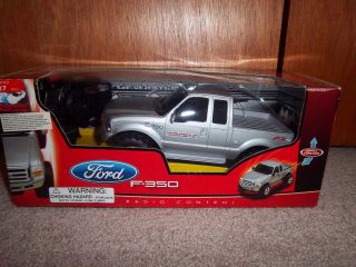 Max Collectors Ford F350 Truck RC   Forward Reverse Circular Steering