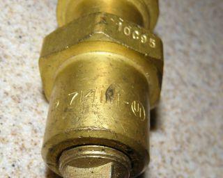 Rego® Lift Cylinder Filling Adapter 7141M Service Valve