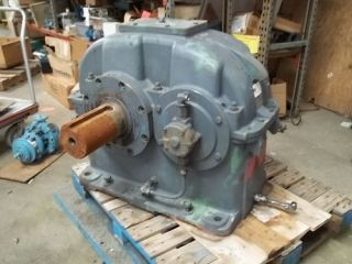 Flender SEN360 3 526 1RATIO Enclosed Gear Drive Used