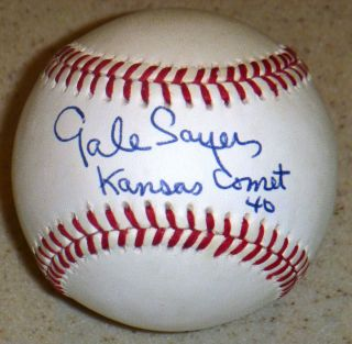 GALE SAYERS HAND SIGNED AUTOGRAPHED BASEBALL ~PSA DNA~W/KANSAS COMET