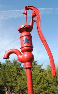 Blue Star Galva IL C Iron Hand Water Well Yard Art Pump