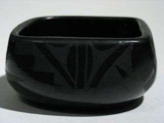 Beautiful Francis M Chavaria Santa Clara Pueblo Pottery