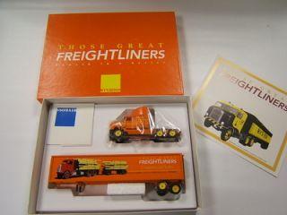 trailer those great freightliners 4 in series van trailer mint in